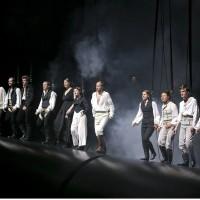 Chor-Dantons Tod-Ulrich Rasche-Schauspiel Frankfurt 2015- Foto Birgit Hupfeld